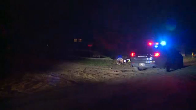 police-car-michigan-toddler-shoots-4-year-old-in-arm