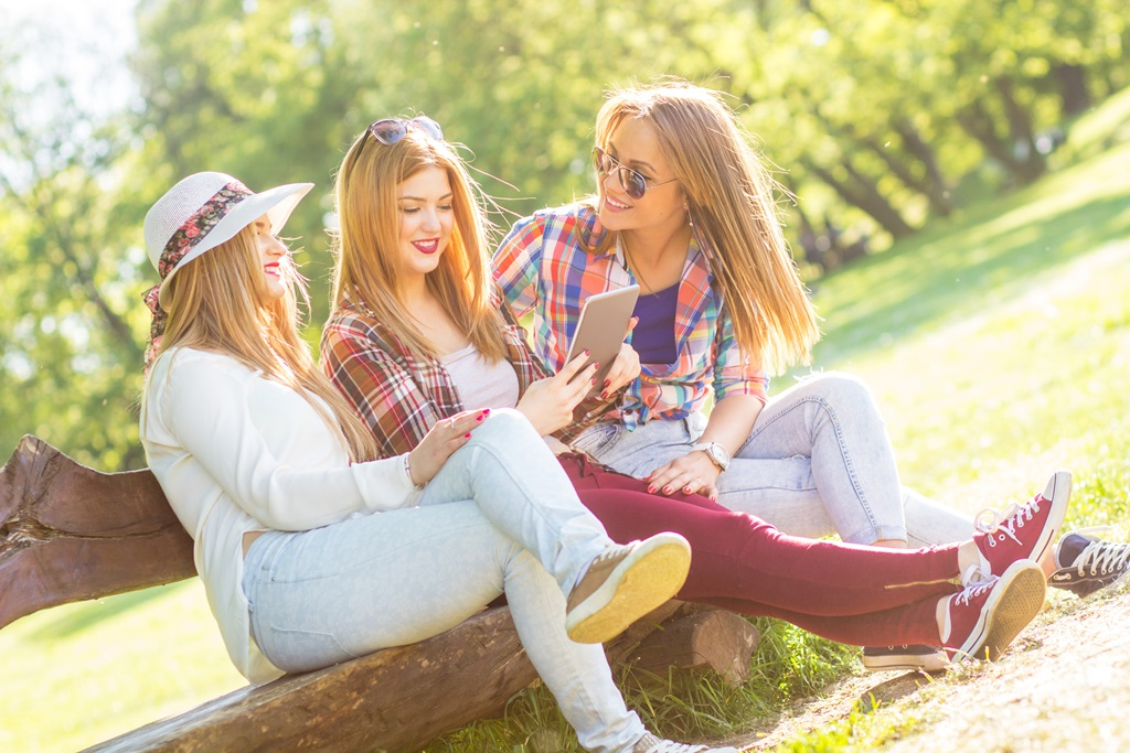 Картинки трех красивых девочек